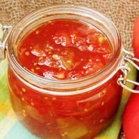 Indian sweet and spicy tomato relish